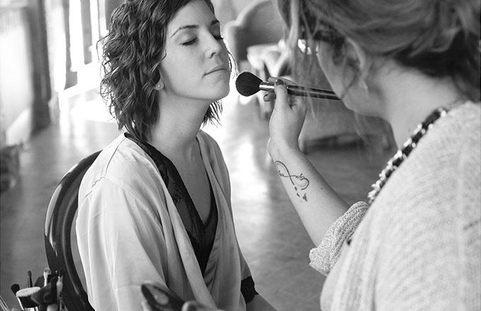novia-maquillandose
