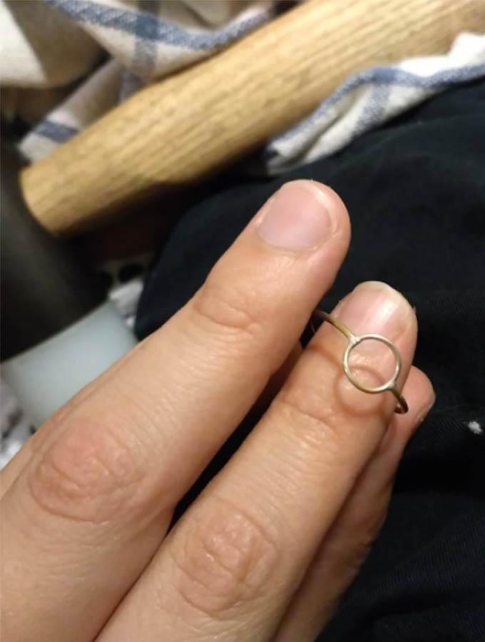 anillo círculo en plata en proceso