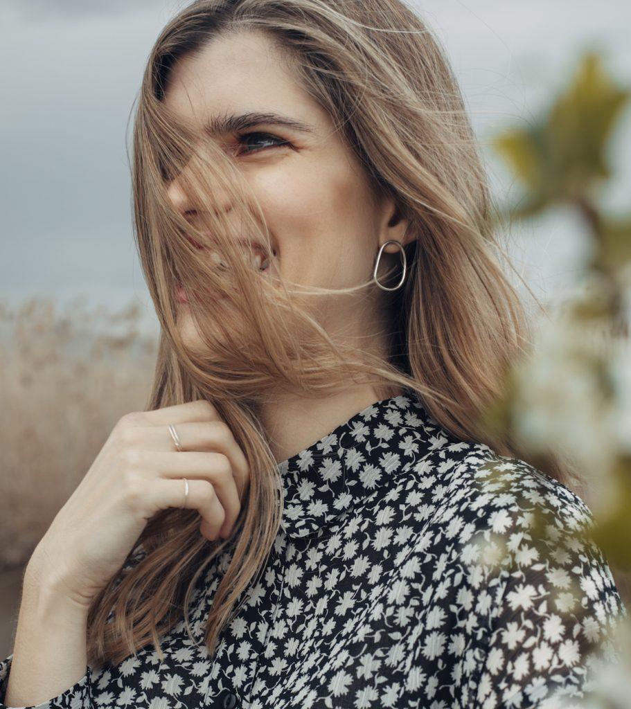 ersilia earrings single